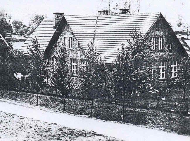 Widok szkoły z roku 1902